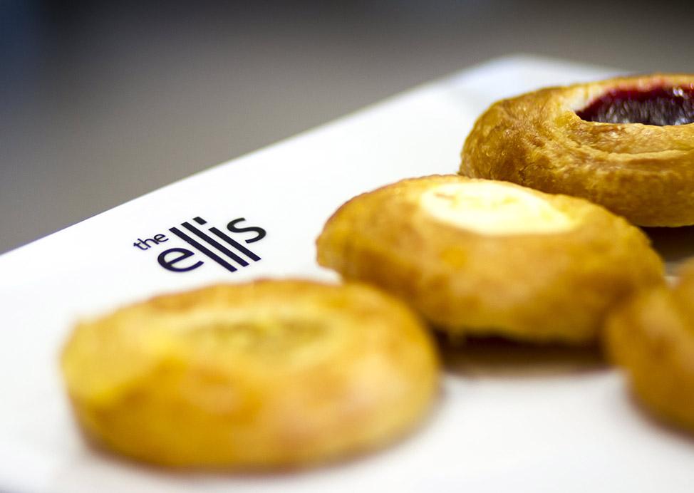 enjoy-your-morning-breakfast-at-ellis-hotel-atlanta